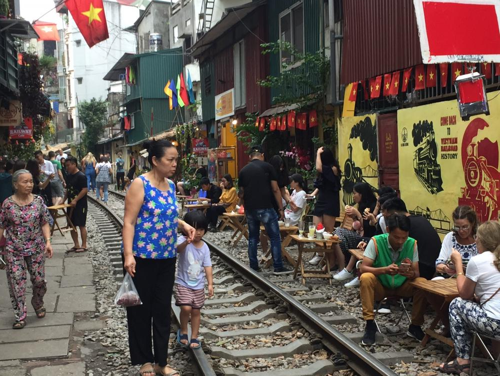 Vietnam - Our Hot New Destination for medical students.  Hangout in outdoor cafes.